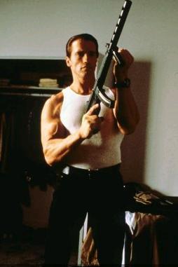 Без компромиссов / Raw Deal (1986): кадр из фильма