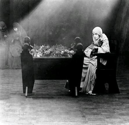 Нетерпимость / Intolerance: Love's Struggle Throughout the Ages (1916): кадр из фильма