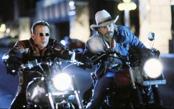 Харли Дэвидсон и Ковбой Мальборо / Harley Davidson and the Marlboro Man (1991): кадр из фильма