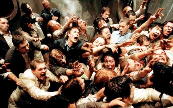 Обитель зла / Resident Evil (2002): кадр из фильма