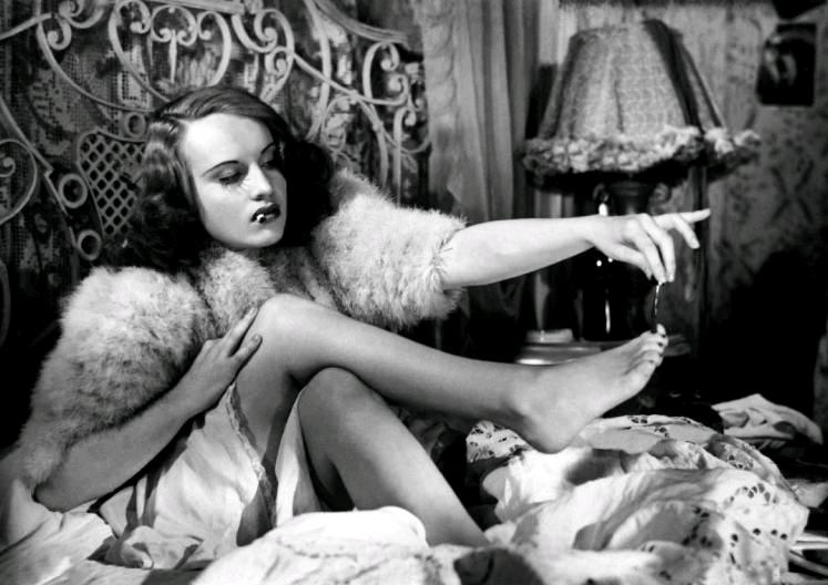 Ворон / Le corbeau (1943): краткое содержание