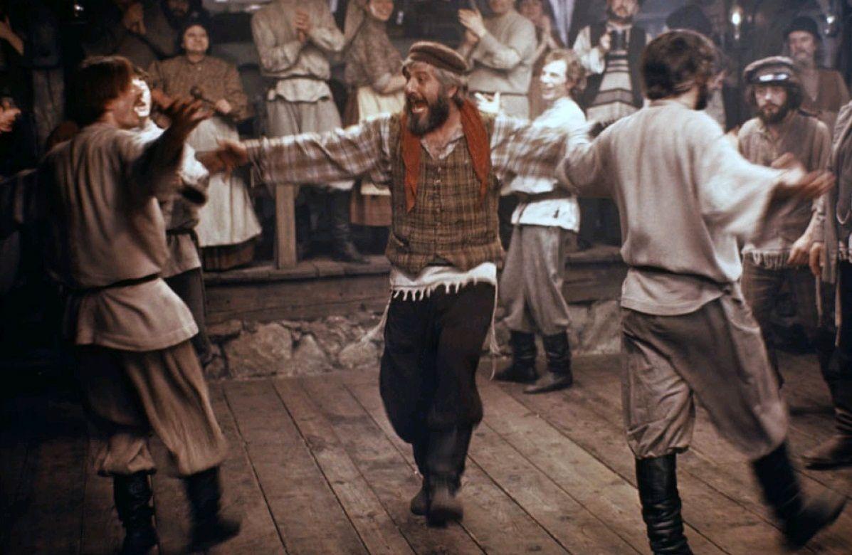 Скрипач на крыше / Fiddler on the Roof (1971): кадр из фильма