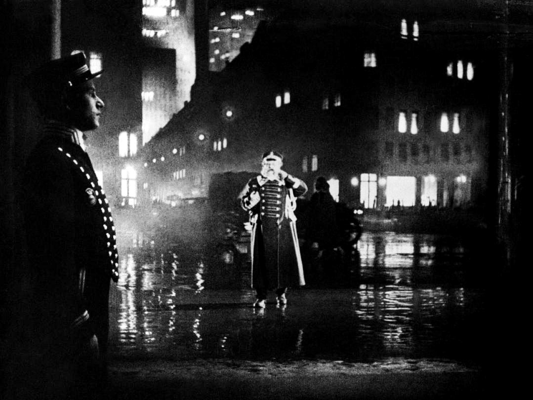 Последний человек / Der letzte Mann (1924): кадр из фильма