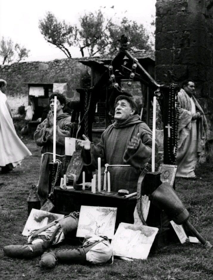 Птицы большие и малые / Uccellacci e uccellini (1966): кадр из фильма