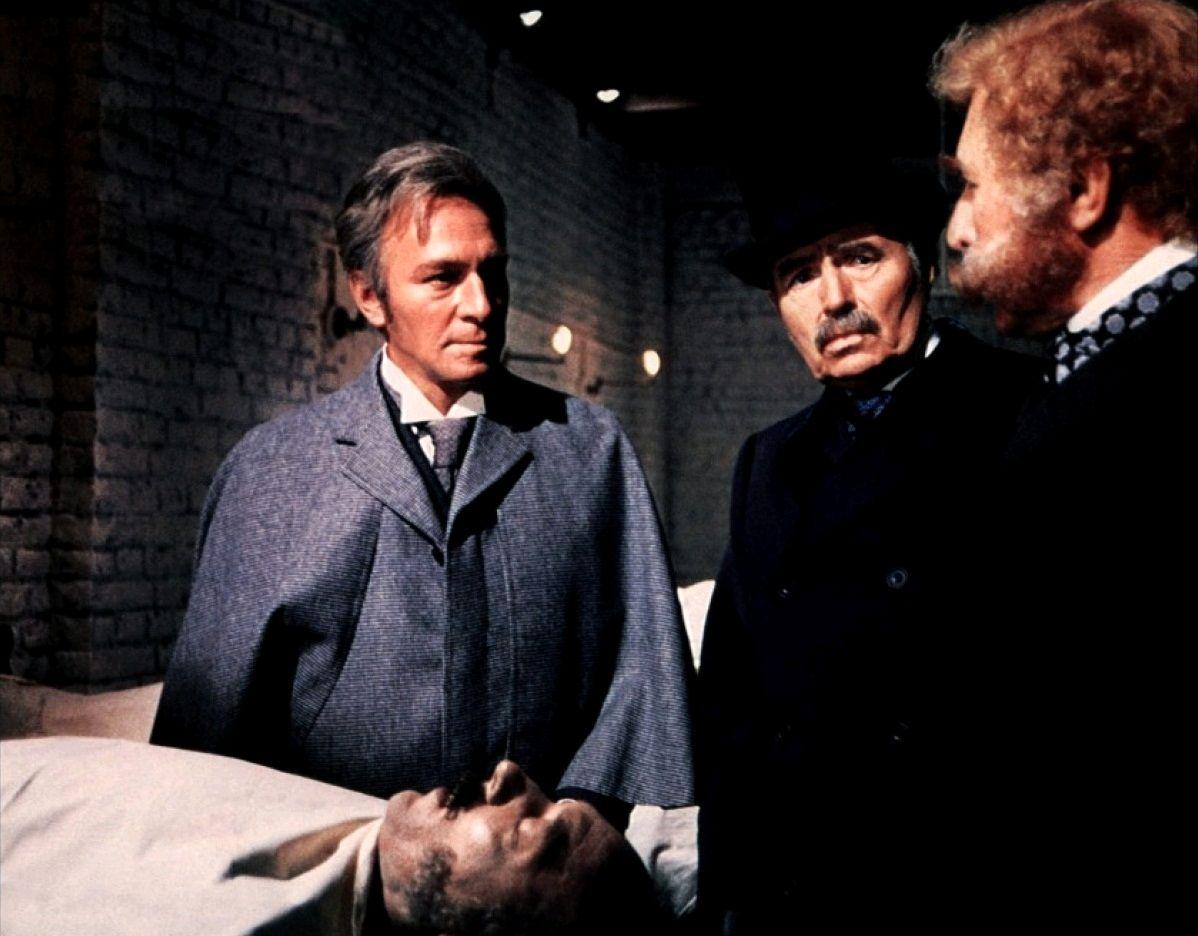 Убийство по приказу / Murder by Decree (1979): кадр из фильма
