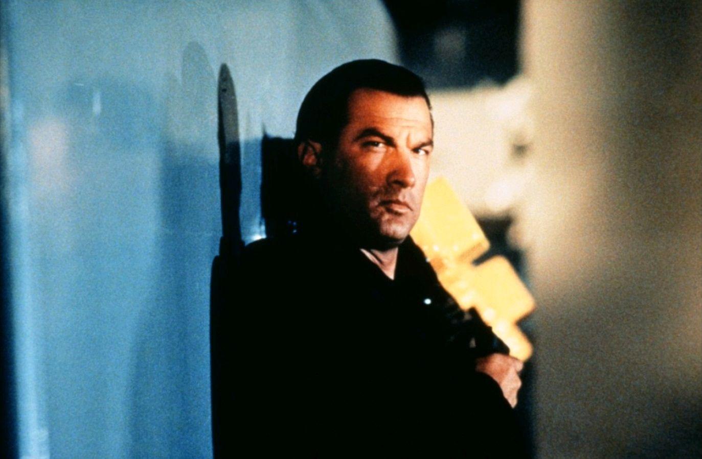 В осаде / Under Siege (1992): кадр из фильма