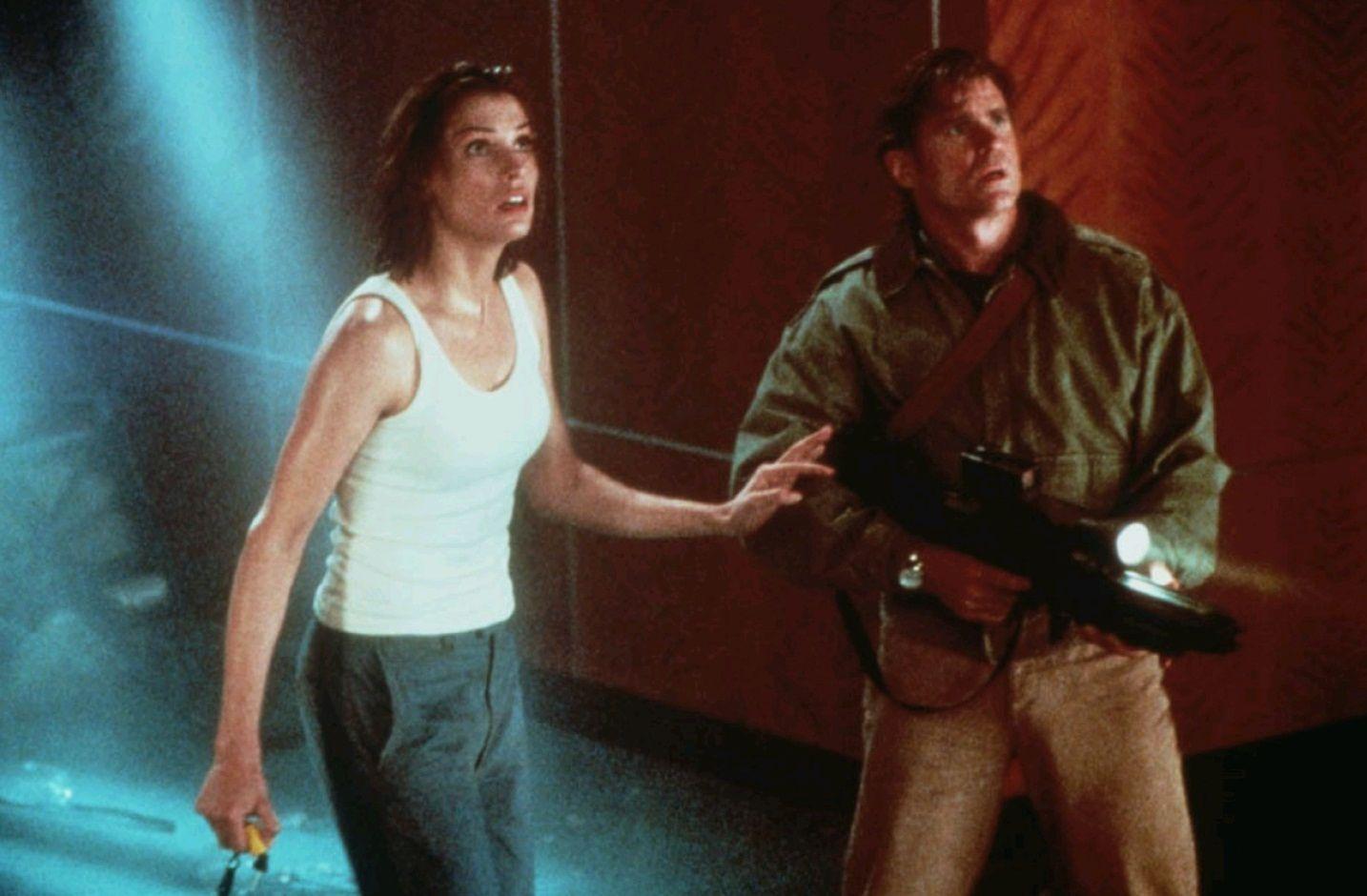 Подъём с глубины / Deep Rising (1998): кадр из фильма