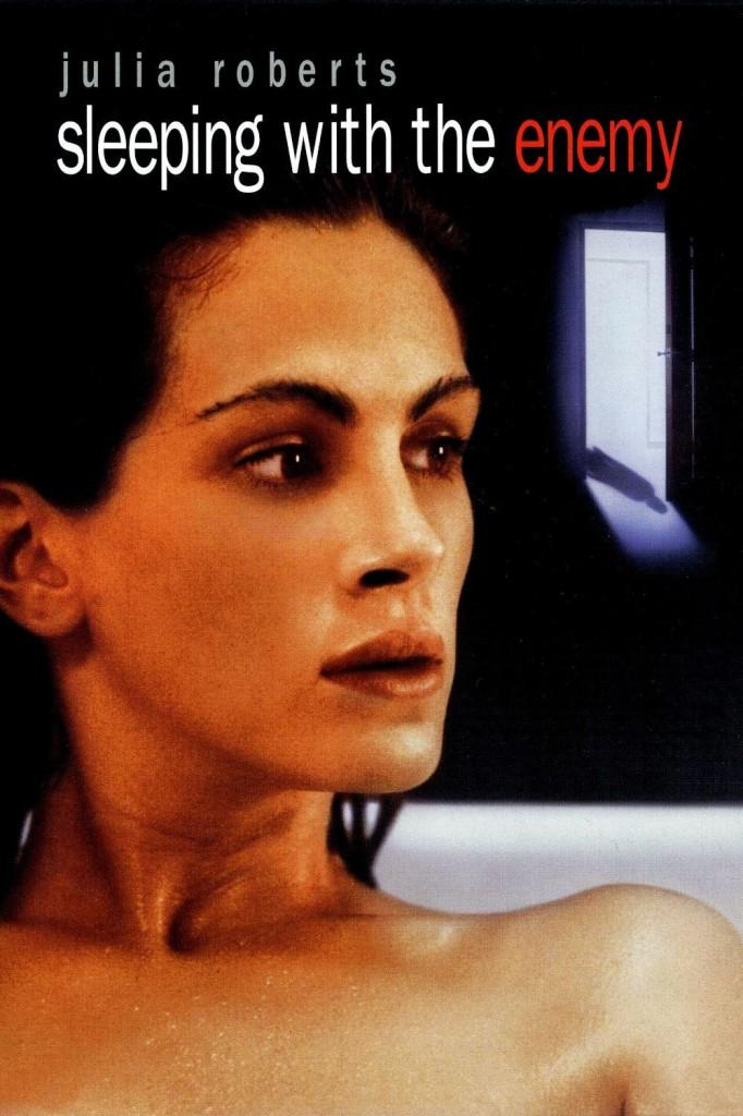 В постели с врагом / Sleeping with the Enemy (1991): постер