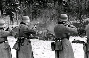 Обыкновенный фашизм / Obyknovennyy fashizm (1965): кадр из фильма