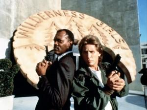 Заряженное оружие 1 / Loaded Weapon 1 (1993): кадр из фильма