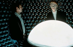 Человек, который упал на Землю / The Man Who Fell to Earth (1976): кадр из фильма