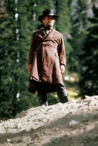 Бледный всадник / Pale Rider (1985): кадр из фильма