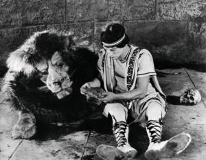 Три эпохи / Three Ages (1923): кадр из фильма