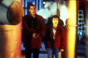 В смертельной зоне / On Deadly Ground (1994): кадр из фильма
