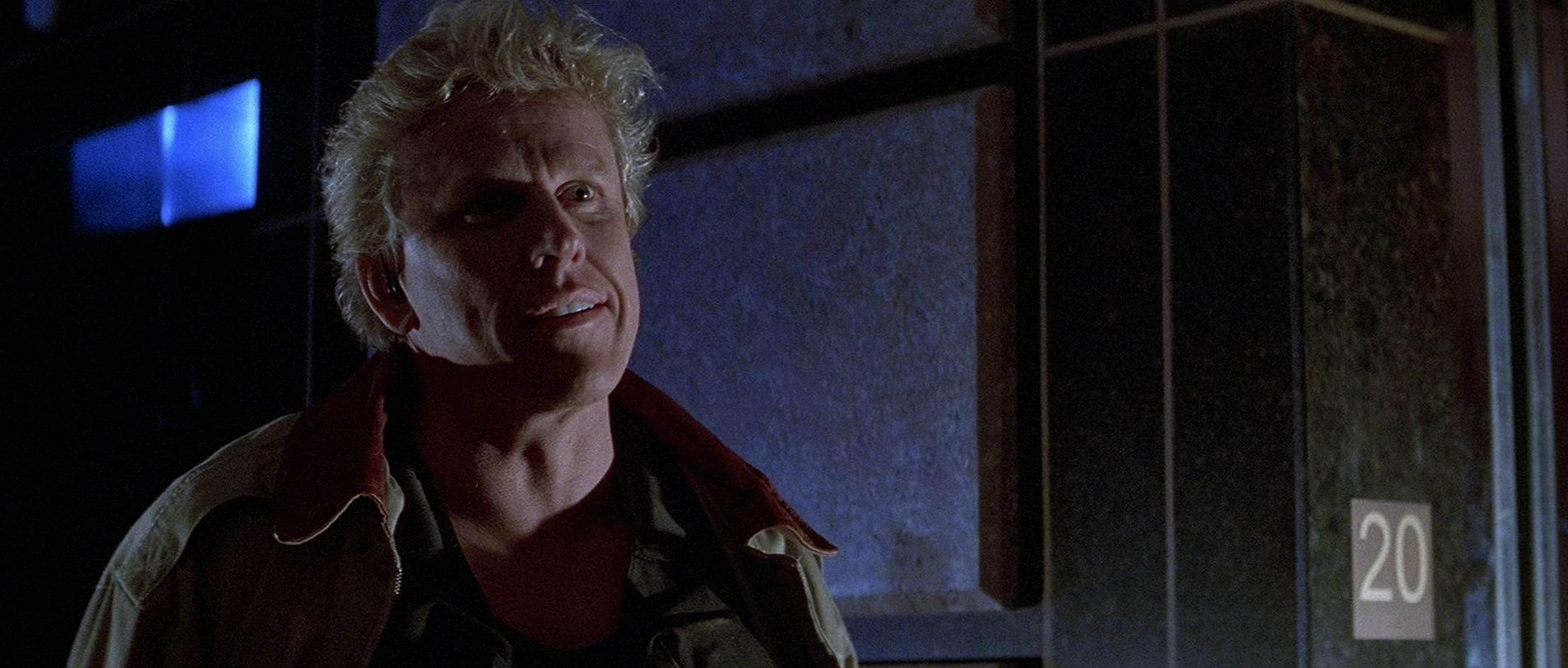 Зона высадки / Drop Zone (1994): кадр из фильма