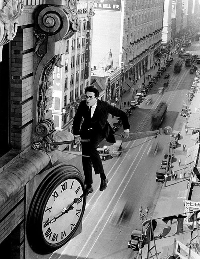 Безопасность прениже всего / Safety Last! (1923): кадр из фильма